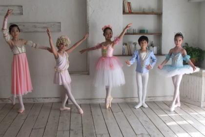 inf_book_tedukuri_ballet_costume1